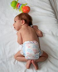 Как держать ребенка в 1 месяц фото