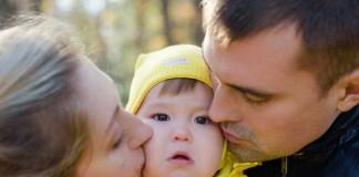 целовать ли ребенка в губы